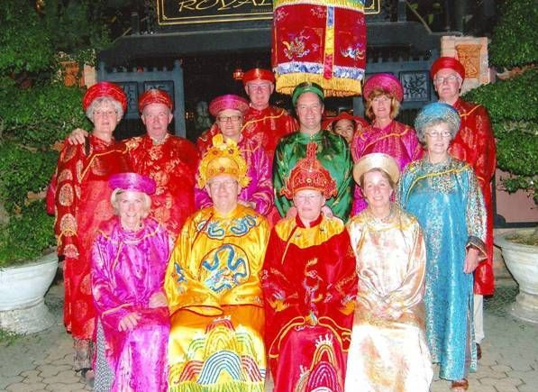 Cruise On Huong River With Dinner (With Royal Dress)