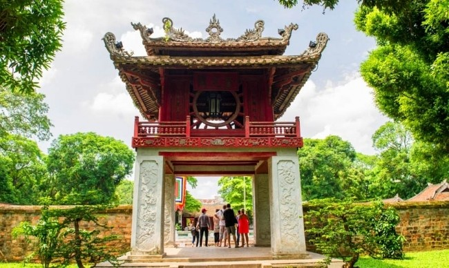 Explore the best sights of Vietnam