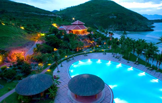 Private Nha Trang City Tour 1/2 Day (Max 5 Pax/car)(Afternoon)