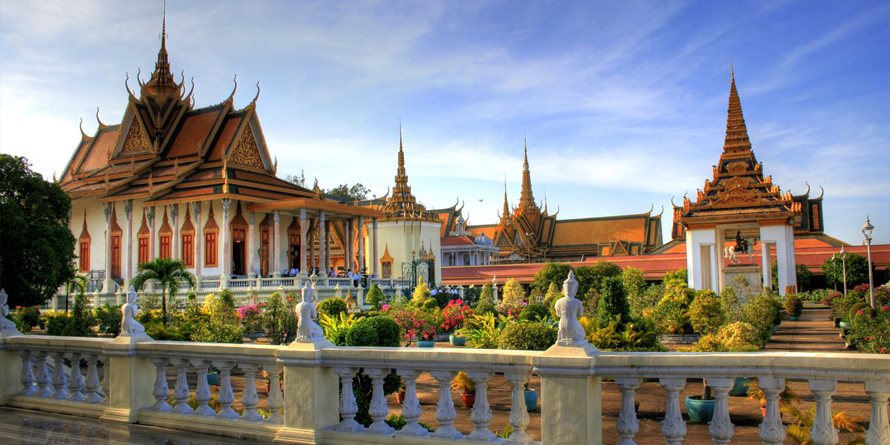 Phnompenh City Tour 1/2 Day By Tuk Tuk (Morning, With Killing Field)