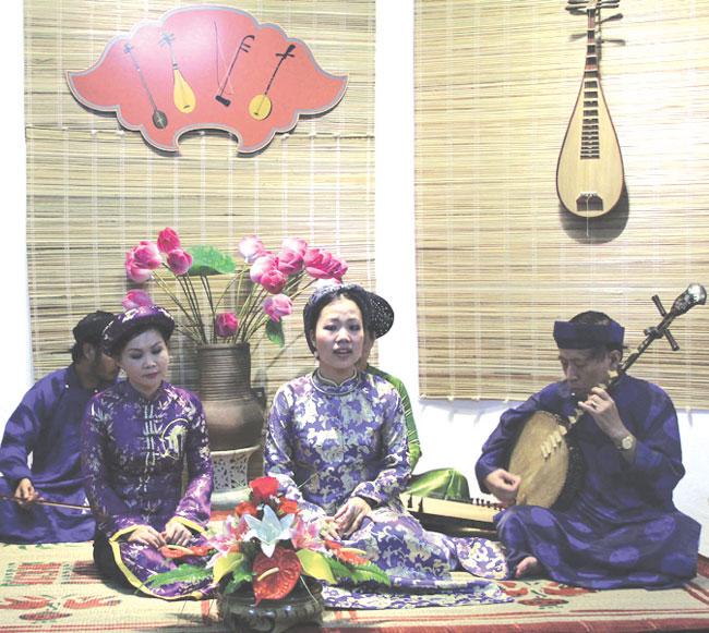 Hue Traditional Folk Song