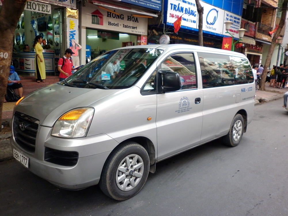 7 SEATER CAR